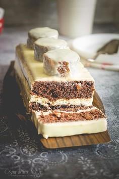 Klocek LEGO - marchewkowy torcik czekoladowy z morelami