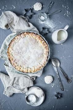 Zimowa, brzoskwiniowa tarta z ciastem francuskim
