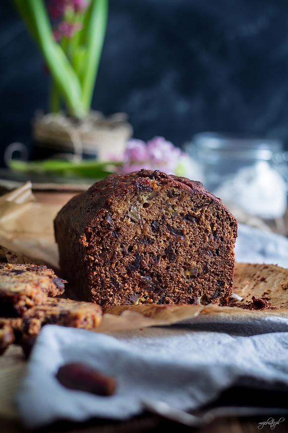 Aromatyczne ciasto daktylowe – super wilgotne