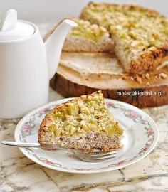 Migdałowe ciasto z rabarbarem bez glutenu, bez cukru