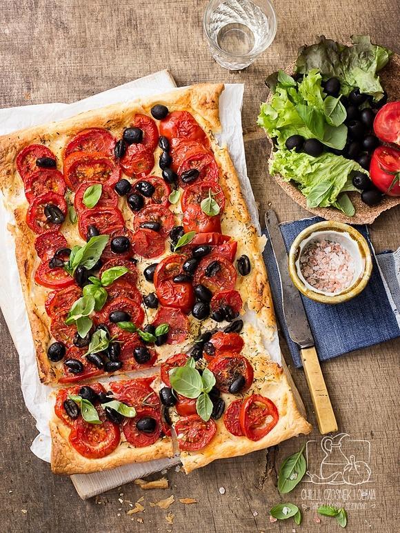 Tarta migdałowo-serowa z pomidorami wg Yotama Ottolenghiego