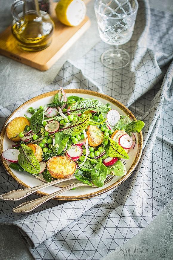 Letnia sałatka ze szpinaku i ziemniaków