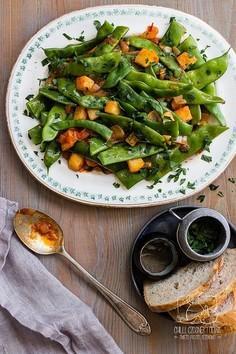 Zielona fasolka z oliwą i pomidorami po grecku