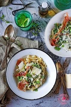 Spaghetti z groszkiem zielonym
