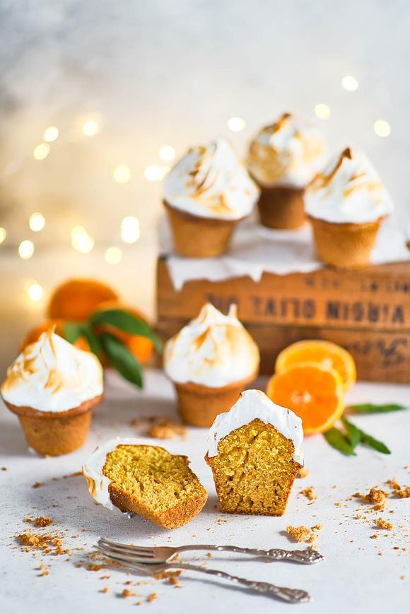 Mandarynkowo-dyniowe muffiny z bezą włoską