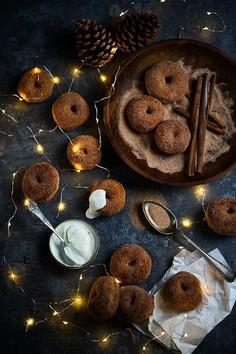 Mini donuty z cynamonowym cukrem