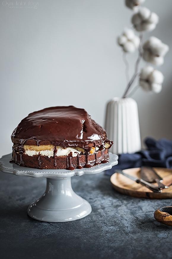Ciasto czekoladowe z karmelizowanymi bananami