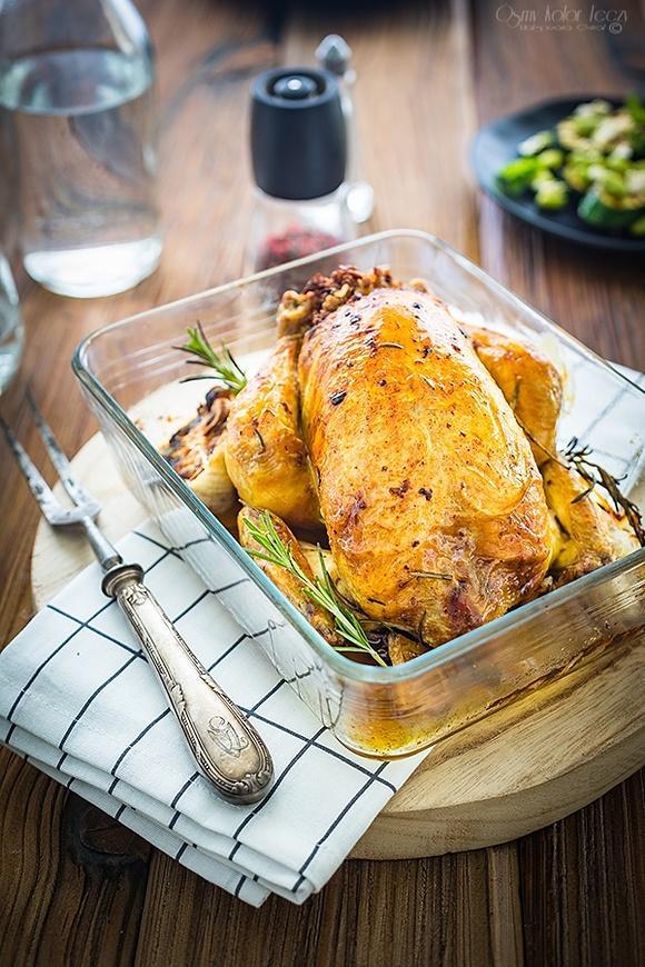 Kurczak pieczony w całości – faszerowany kaszą