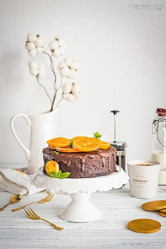 Sernik jaglany czekoladowy z kandyzowanymi cytrusami