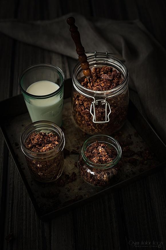 Czekoladowa granola z chia