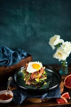 Placuszki z jajkiem i bekonem