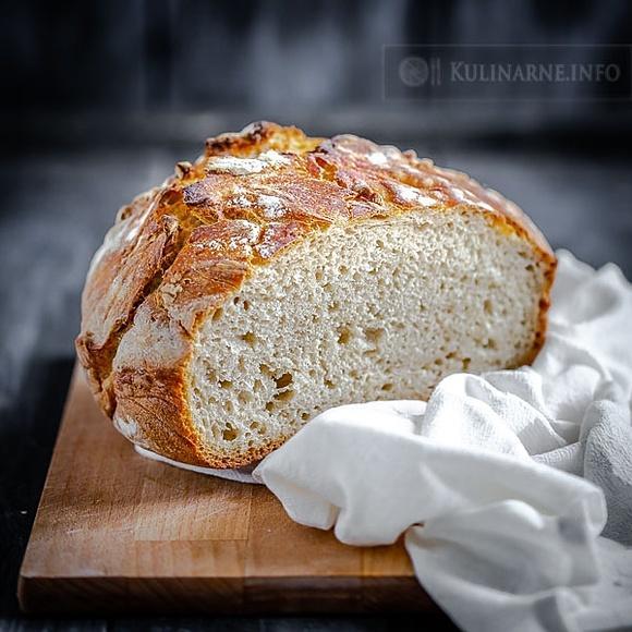 Chleb codzienny na zakwasie z garnka żeliwnego