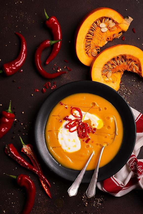 Zupa krem z dyni z batatem i chilli